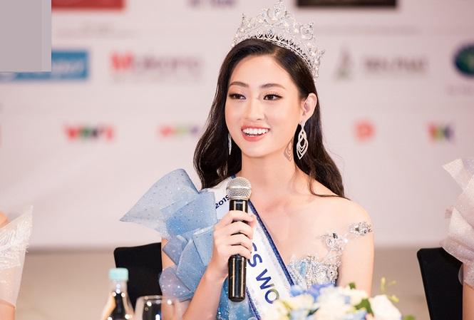 Hoa hậu Lương Thùy Linh không chỉ 'tài sắc vẹn toàn' mà nét chữ cũng khiến nhiều người mê - Ảnh 1