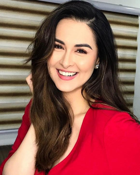 """Chia tay mái tóc dài, """"mỹ nhân đẹp nhất Philippines"""" gây ấn tượng với tóc ngắn năng động - Ảnh 5"""