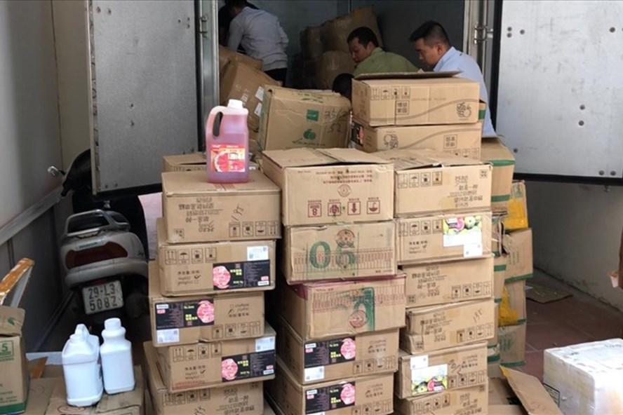 Hà Nội: Thu giữ số lượng lớn nguyên liệu trà sữa không rõ nguồn gốc - Ảnh 1
