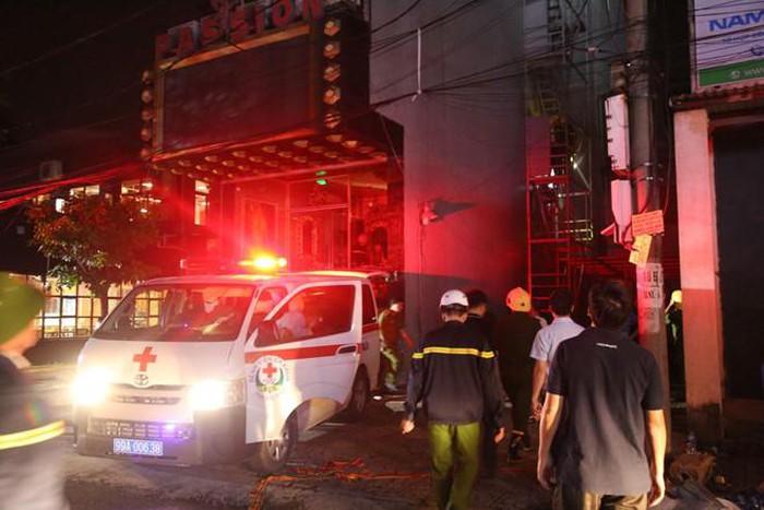 Cháy quán karaoke 8 tầng ở Bắc Ninh, một người tử vong - Ảnh 1