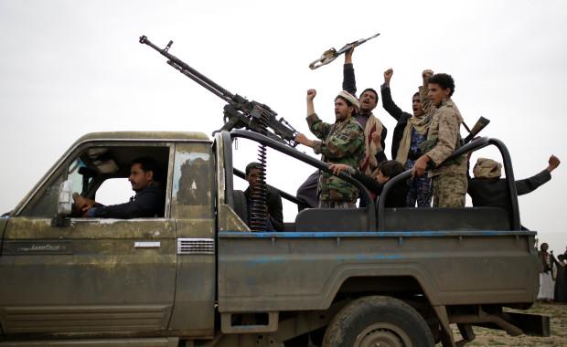 Houthi tuyên bố tiêu diệt hàng trăm binh sĩ Saudi trong vụ tấn công lớn - Ảnh 1