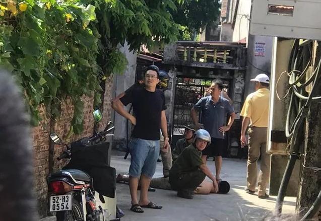 Hưng Yên: Điều tra vụ cụ ông 80 tuổi bị hàng xóm chém tử vong - Ảnh 1