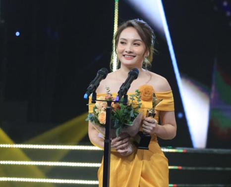 'Về nhà đi con' xuất sắc giành 3 giải thưởng tại VTV Awards 2019 - Ảnh 3