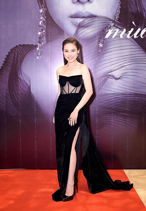 Tin tức giải trí mới nhất ngày 15/10: Loạt sao Việt bị lộ ảnh áo dài phản cảm - Ảnh 4