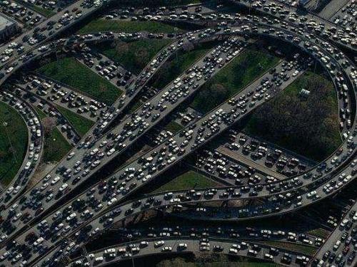 Tắc đường kỷ lục ở Trung Quốc: Ùn tắc 100km trong 21 ngày, 30.000 phương tiện kẹt cứng - Ảnh 2