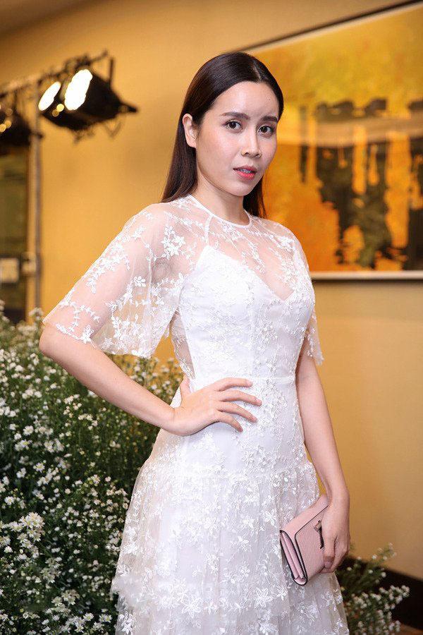 Vẻ đẹp trẻ trung, quyến rũ của Lưu Hương Giang sau khi trốn chồng sang Hàn Quốc dao kéo - Ảnh 4