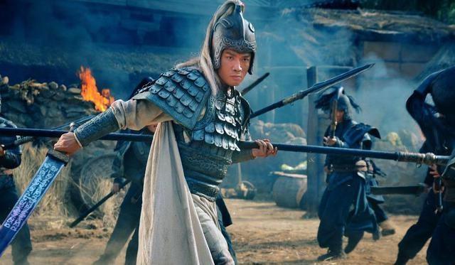 Chưa bao giờ giao đấu trực tiếp nhưng vì sao Triệu Vân bị xếp thứ 2, còn Lữ Bố đứng đầu - Ảnh 3