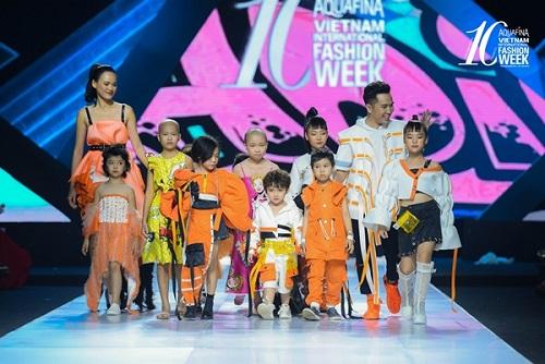 Tin tức giải trí mới nhất ngày 1/11: Dàn mẫu nhí đặc biệt tỏa sáng cùng H'Hen Niê, Tuyết Lan trên sàn diễn thời trang - Ảnh 2