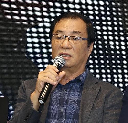 """Phản ứng của đạo diễn Khải Hưng khi Việt Anh công khai xin lỗi vì """"đụng dao kéo"""" lúc đang làm phim - Ảnh 1"""