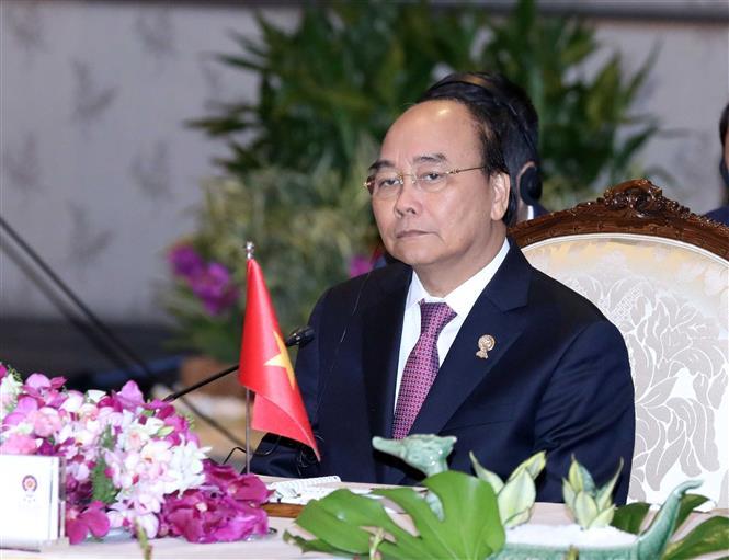 Thủ tướng Nguyễn Xuân Phúc chia buồn với các gia đình nạn nhân thiệt mạng tại Anh - Ảnh 1