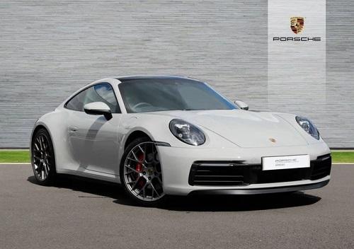 Vợ chồng Cường Đô La dạo phố bằng siêu xe Porsche 911 Carrera S giá gần 8 tỷ - Ảnh 3