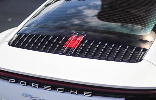 Vợ chồng Cường Đô La dạo phố bằng siêu xe Porsche 911 Carrera S giá gần 8 tỷ - Ảnh 6