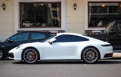 Vợ chồng Cường Đô La dạo phố bằng siêu xe Porsche 911 Carrera S giá gần 8 tỷ - Ảnh 8