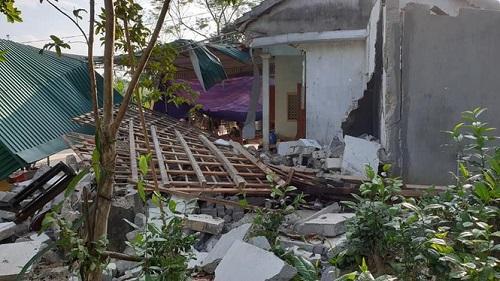 Nghệ An: Nổ lớn tại nhà riêng khiến 1 người chết và 2 người bị thương nặng - Ảnh 1