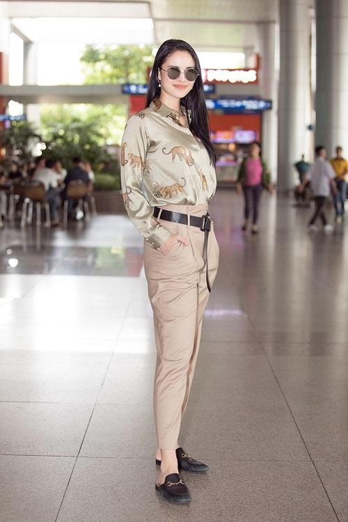 Hoa hậu thế giới 2013 Megan Young thích thú thưởng thức phở và trà đá vỉa hè ở Việt Nam - Ảnh 1