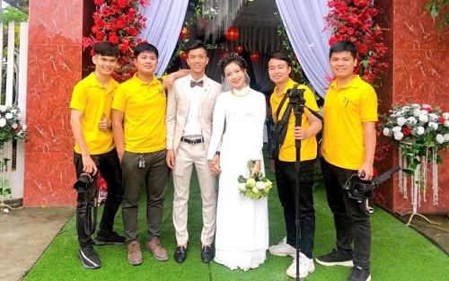 Vợ sắp cưới của Phan Văn Đức đeo kín vàng sau lễ ăn hỏi - Ảnh 1