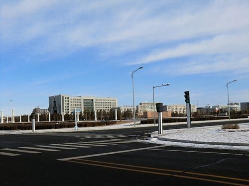 """Những dự án hiện đại bỗng biến thành """"thành phố ma"""" hoang vu lạnh lẽo ở Trung Quốc - Ảnh 3"""