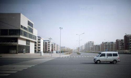 """Những dự án hiện đại bỗng biến thành """"thành phố ma"""" hoang vu lạnh lẽo ở Trung Quốc - Ảnh 2"""
