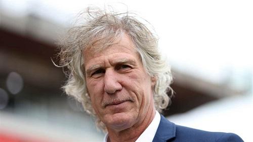 Cựu HLV của SC Heerenveen cho rằng Văn Hậu đang nhận lương quá cao so với trình độ - Ảnh 2