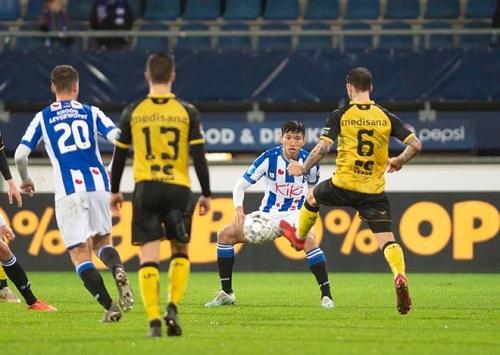 Cựu HLV của SC Heerenveen cho rằng Văn Hậu đang nhận lương quá cao so với trình độ - Ảnh 3