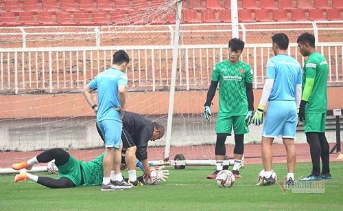 Trăm vàn nỗi lo của thầy Park trước ngày U23 Việt Nam tham dự VCK U23 châu Á - Ảnh 1