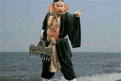 Tây Du Ký: 4 binh khí của thầy trò Đường Tăng, Kim Cô Bổng của Tôn Ngộ Không có lai lịch nhỏ nhất - Ảnh 2