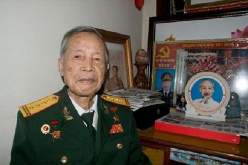 """Anh hùng La Văn Cầu trở về thời bình thành """"chiến sĩ bảo vệ môi trường"""" - Ảnh 1"""