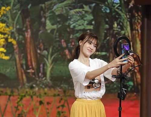 Ninh Dương Lan Ngọc hợp lực cùng Duy Khánh livestream xuyên Đêm giao thừa - Ảnh 3