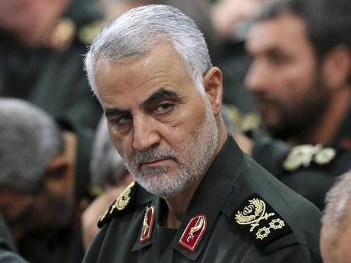 Chân dung vị tướng quyền lực của Iran vừa thiệt mạng trong cuộc không kích của Mỹ  - Ảnh 1