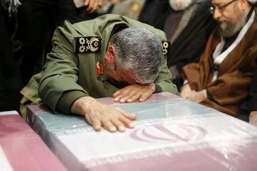 Hàng triệu người Iran rơi nước mắt, xuống đường tiễn đưa tướng Soleimani - Ảnh 7