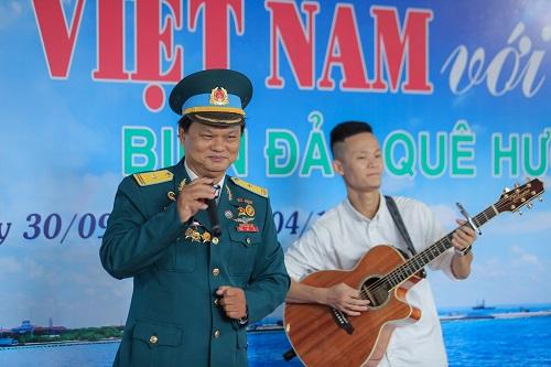 """Trưng bày ảnh """"Luật gia Việt Nam với Biển, đảo quê hương"""": Khơi gợi tình yêu, chủ quyền biển đảo - Ảnh 10"""