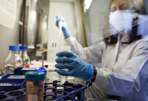 Các nhà khoa học Hong Kong (Trung Quốc) phát hiện loại thuốc kim loại có thể điều trị COVID-19 - Ảnh 1