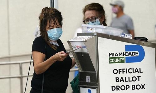 Bầu cử Mỹ 2020: FBI điều tra vụ hòm thư chứa 120 phiếu bầu bị đốt - Ảnh 2