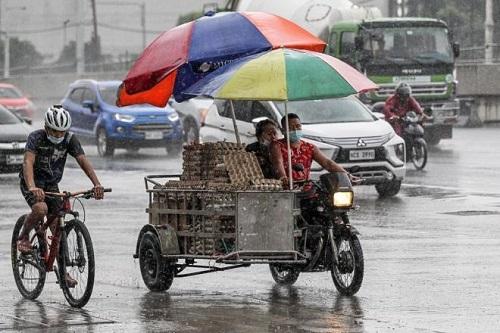 Philippines tan hoang, ngập lụt nặng sau khi siêu bão Molave càn quét - Ảnh 1
