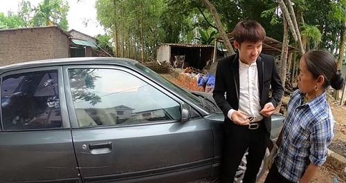 """Con trai bà Tân Vlog khoe """"xế sang"""" 4 tỷ, hùng hồn tuyên bố """"đầy tiền"""" - Ảnh 2"""