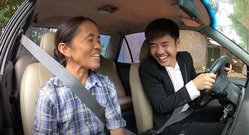 """Con trai bà Tân Vlog khoe """"xế sang"""" 4 tỷ, hùng hồn tuyên bố """"đầy tiền"""" - Ảnh 3"""