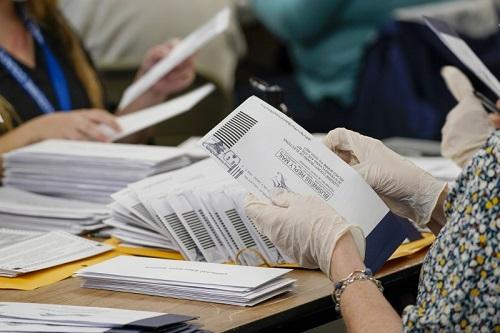 Bầu cử Mỹ 2020: Bang Georgia sẽ kiểm lại bằng tay toàn bộ phiếu bầu - Ảnh 1