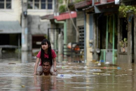 Đổ bộ vào Phillippines, bão Vamco trở thành cơn bão tang tóc nhất năm 2020 - Ảnh 5