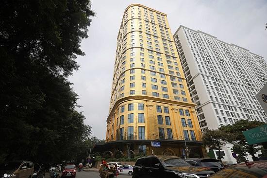 """""""Tòa nhà dát vàng"""" ở Hà Nội được lên báo Trung Quốc có gì đặc biệt? - Ảnh 1"""