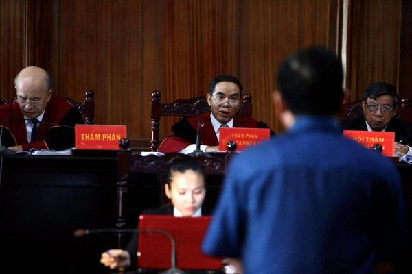 Ông Đinh La Thăng đổ lỗi cho cấp dưới - Ảnh 2