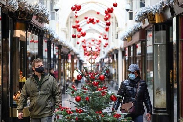 Anh phong tỏa Thủ đô London trong dịp Giáng sinh vì biến thể mới của virus SARS-CoV-2 - Ảnh 1