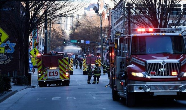 Hiện trường vụ nổ xe rung chuyển thành phố Mỹ ngay sáng Giáng sinh - Ảnh 6