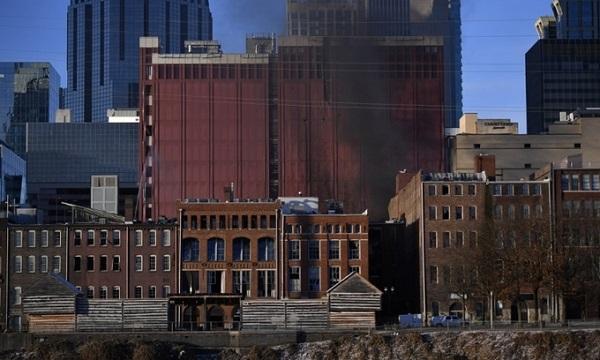 Hiện trường vụ nổ xe rung chuyển thành phố Mỹ ngay sáng Giáng sinh - Ảnh 7