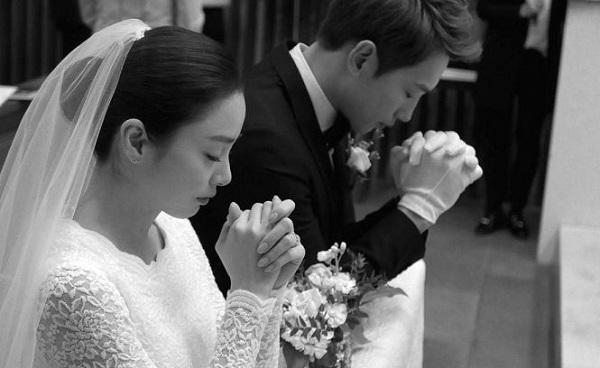 Giá trị cặp nhẫn cưới của Bi Rain và Kim Tae Hee khiến tất cả phải bất ngờ - Ảnh 2