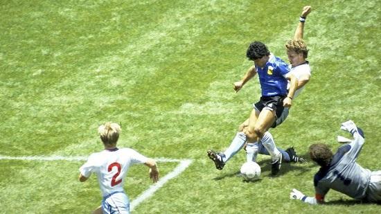 """Maradona cùng khoảnh khắc """"Bàn tay của Chúa"""" được đề xuất in lên tiền giấy - Ảnh 2"""