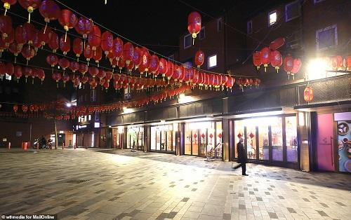 """Phố người Hoa nhộn nhịp ngày nào ở London bỗng hiu quạnh vì nỗi lo mang tên """"Covid-19"""" - Ảnh 2"""