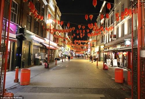 """Phố người Hoa nhộn nhịp ngày nào ở London bỗng hiu quạnh vì nỗi lo mang tên """"Covid-19"""" - Ảnh 7"""