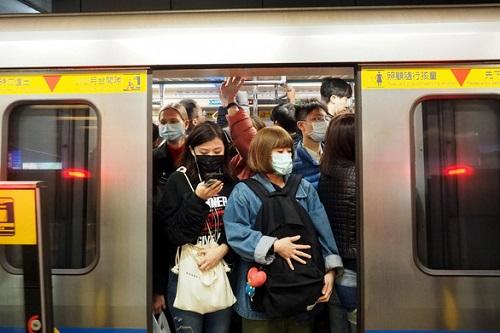 Tình hình dịch virus corona ngày 17/2: Hơn 71.000 ca nhiễm bệnh, thêm 1 khu vực ngoài Trung Quốc đại lục có bệnh nhân tử vong - Ảnh 3