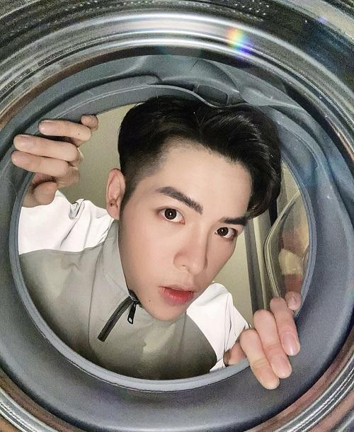 """Sao Việt """"cực khổ"""" với trào lưu chụp ảnh trong lồng máy giặt - Ảnh 3"""
