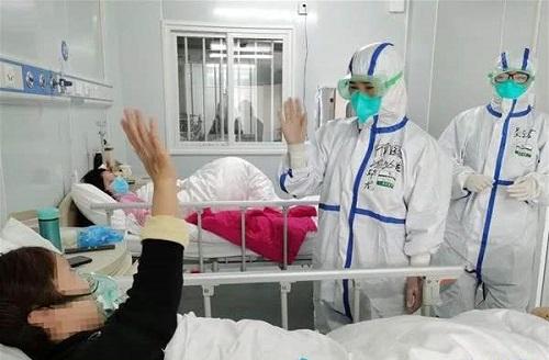 Bé 18 tháng tuổi nhiễm Covid-19 ở tâm dịch Hồ Bắc đã được xuất viện - Ảnh 1